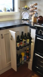 Pull out bottle unit- 150mm wide