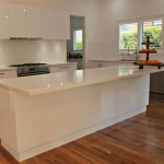 White Kitchen Island Bench