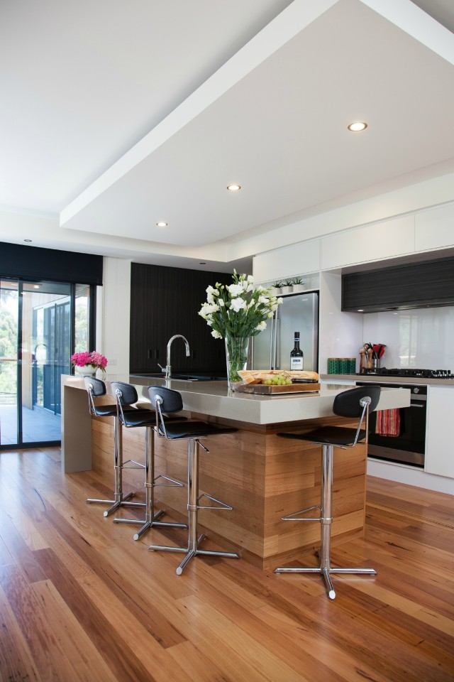 White Contemporary Ballarat Kitchen And Laundry Matthews Joinery